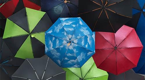 Herzhaft Regenschirm Taschenschirm Mini Mit Punkten verschiedene Farben Reisen Kleidung & Accessoires